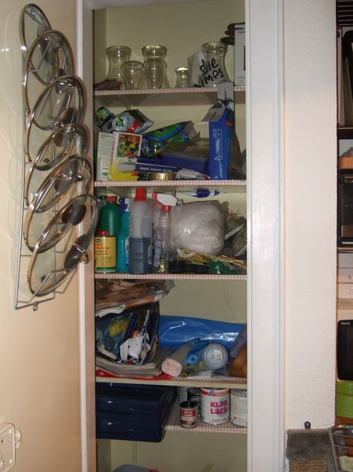 Kitchen_clutter2